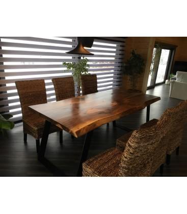 Jedálenský stôl - NUT