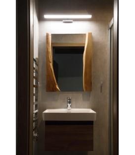 Zrkadlo s dreveným rámom