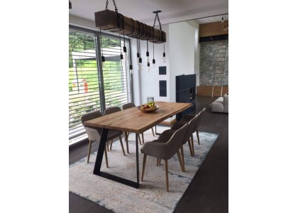 Prečo si kúpiť drevený jedálenský stôl?